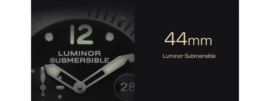 44mm Luminor Submersible